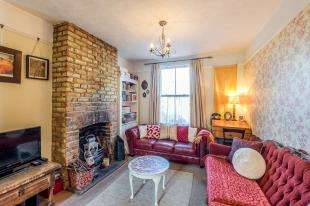 3 Bedrooms Terraced House for sale in Albert Road, Rochester, Kent