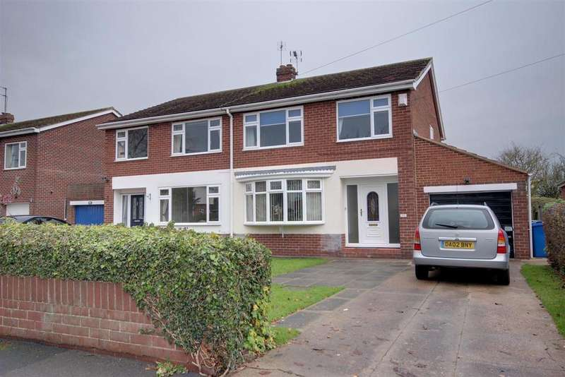3 Bedrooms Semi Detached House for sale in Carr Lane, Willerby, Hull