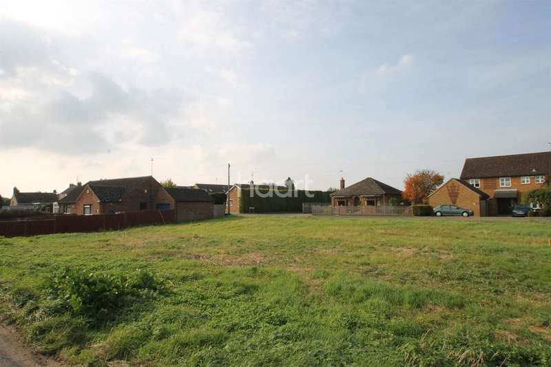 Land Commercial for sale in Hollycroft Road, Emneth
