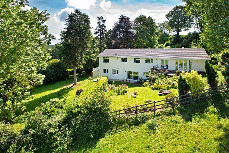 4 Bedrooms Detached House for sale in Littlehempston, Totnes