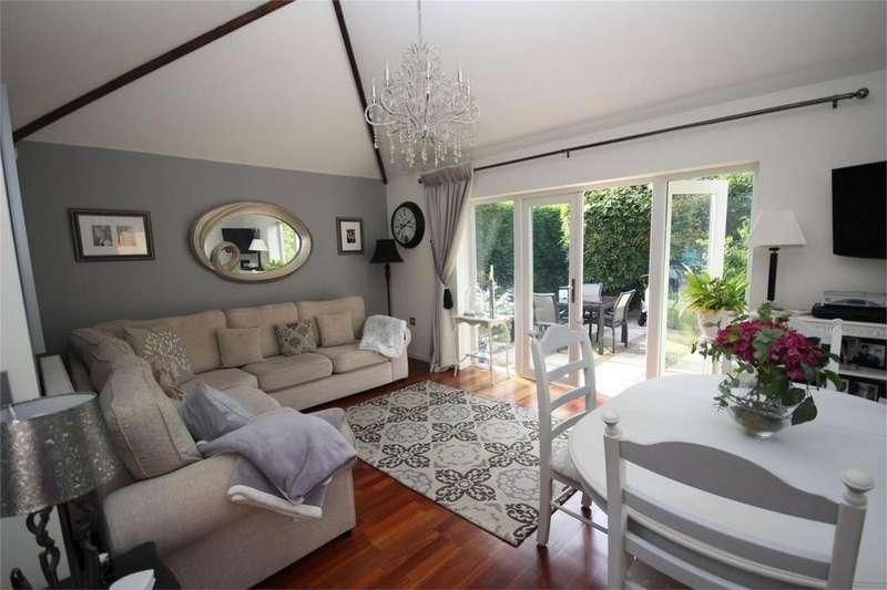 3 Bedrooms Detached Bungalow for sale in Stonewell Crescent, Whitestone, Nuneaton, Warwickshire