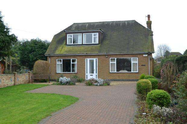 4 Bedrooms Detached Bungalow for sale in Grantham Avenue, Scartho, GRIMSBY