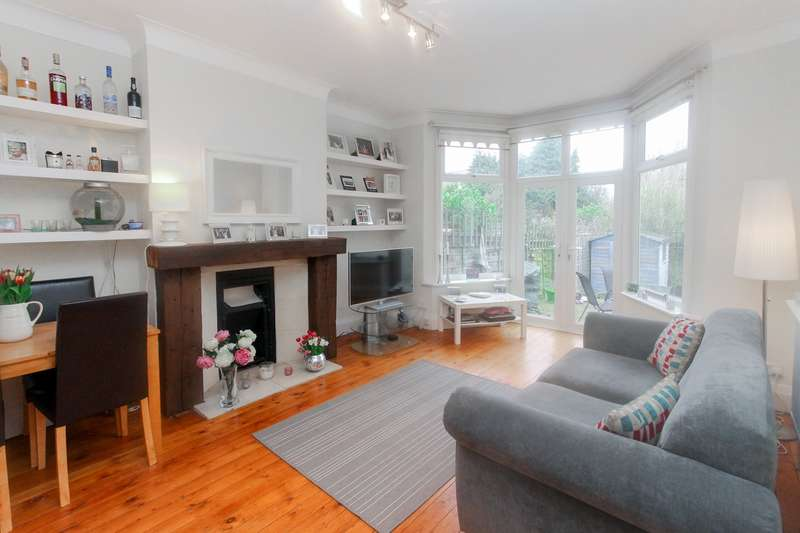 2 Bedrooms Ground Flat for sale in Sylvan Avenue, London, NW7