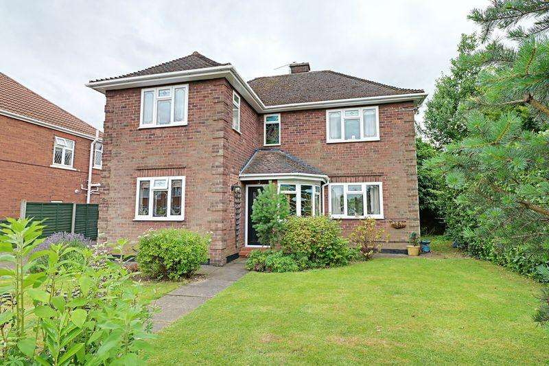 3 Bedrooms Detached House for sale in Malvern Road, Scunthorpe