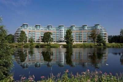 2 Bedrooms Flat for rent in River Crescent, Nottingham, NG2 4RE
