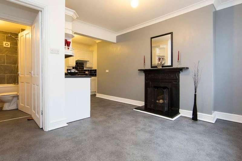 3 Bedrooms Terraced House for sale in Mount Pleasant, Merthyr Vale, CF48 4TD