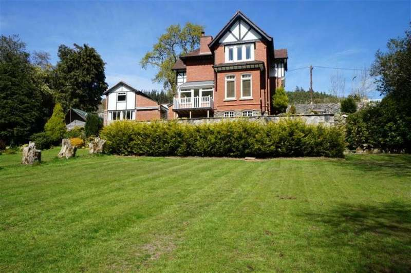 4 Bedrooms Detached House for sale in Crafnant Road, Trefriw, Conwy
