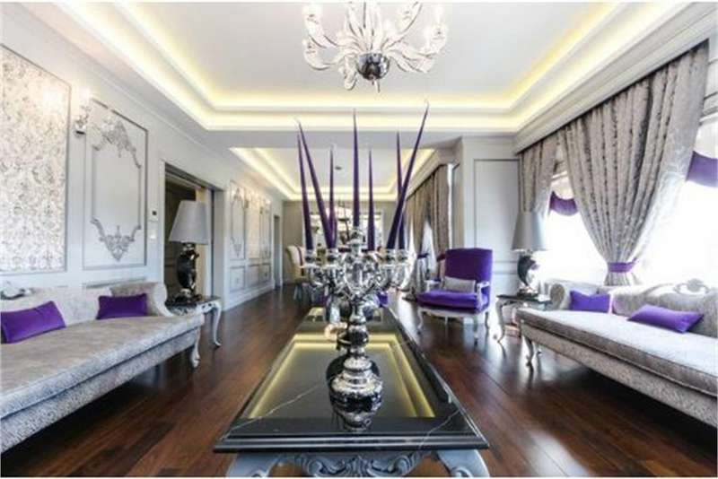 4 Bedrooms Flat for sale in Orchard Court, Portman Square, London