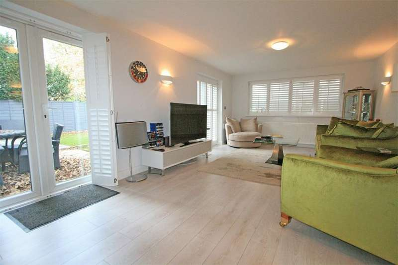 2 Bedrooms Flat for sale in Langdon Road, Bromley, Kent