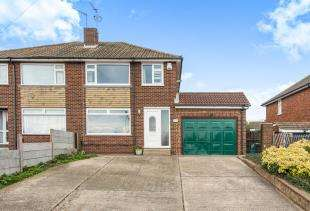 3 Bedrooms Semi Detached House for sale in Frindsbury Hill, Rochester, Kent, .