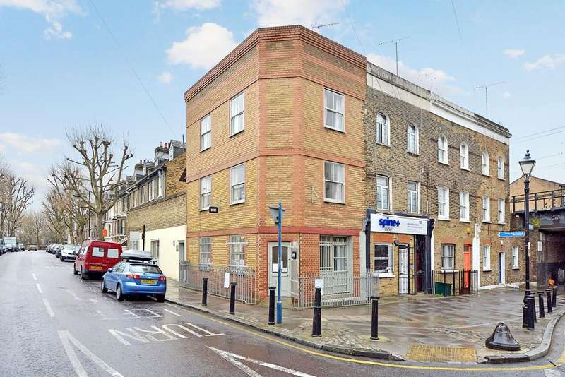 2 Bedrooms House for sale in Coborn Road, Bow, London