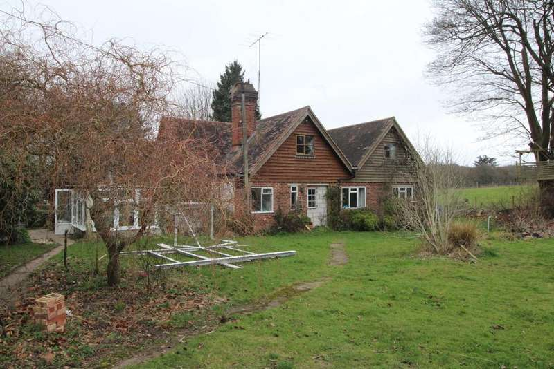 6 Bedrooms Detached House for sale in Water Lane, Storrington