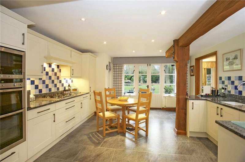 4 Bedrooms Detached House for sale in The Drive, Horton, Northampton, Northamptonshire, NN7