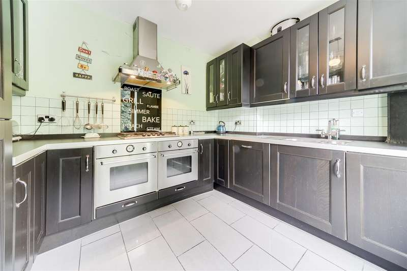 3 Bedrooms Property for sale in Falcon Avenue, Darwen