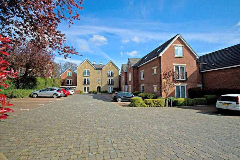 1 Bedroom Flat for sale in Aragon Court, Stainbeck Lane, Meanwood, Leeds 7