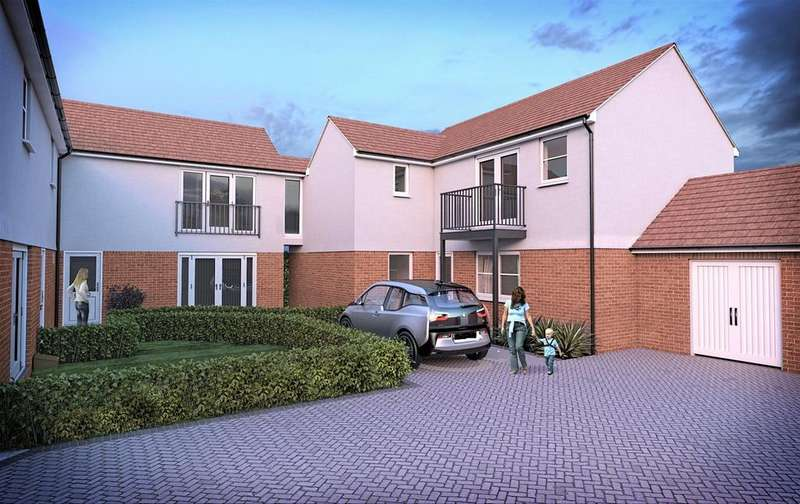 2 Bedrooms Apartment Flat for sale in Ruskin Court, Stanford Le Hope, SS17