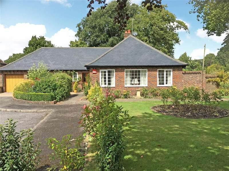 3 Bedrooms Detached Bungalow for sale in Admirals Walk, Funtington, Chichester, West Sussex
