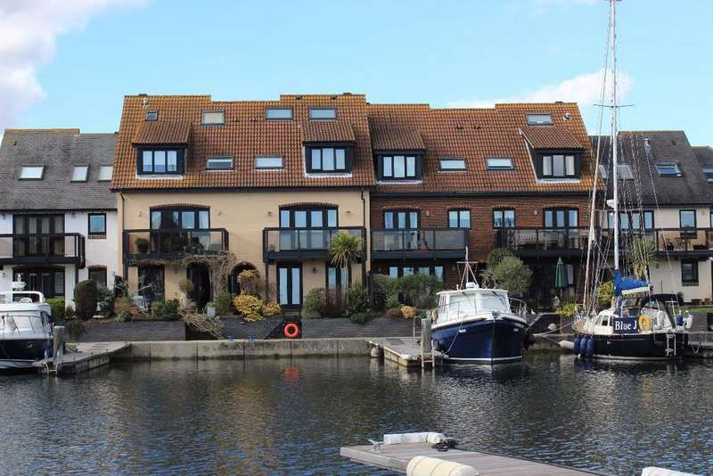 4 Bedrooms Terraced House for sale in Astra Court, Hythe Marina Village