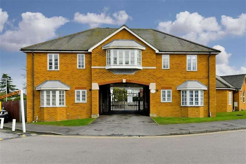 1 Bedroom Flat for sale in Elizabeth Court, Epsom, Surrey