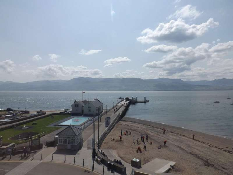2 Bedrooms Apartment Flat for sale in Pier House, Beaumaris, North Wales