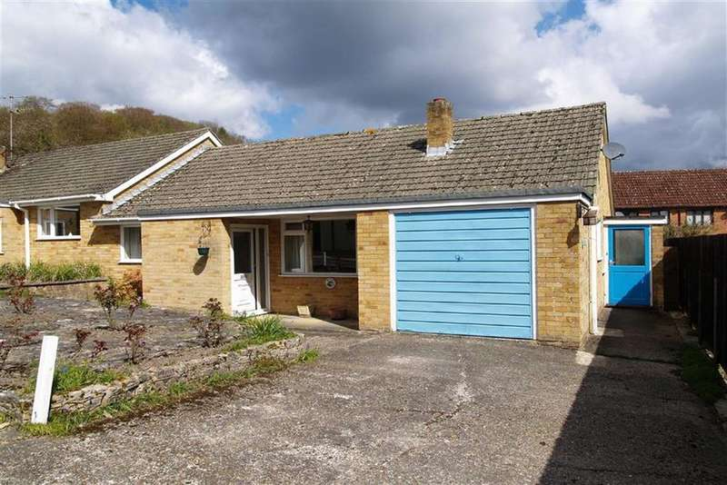 2 Bedrooms Semi Detached Bungalow for sale in Critchmere Vale, Haslemere, Surrey, GU27