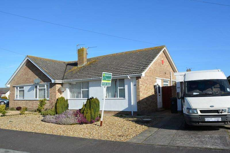 2 Bedrooms Semi Detached Bungalow for sale in Saxondale Avenue, Burnham-On-Sea