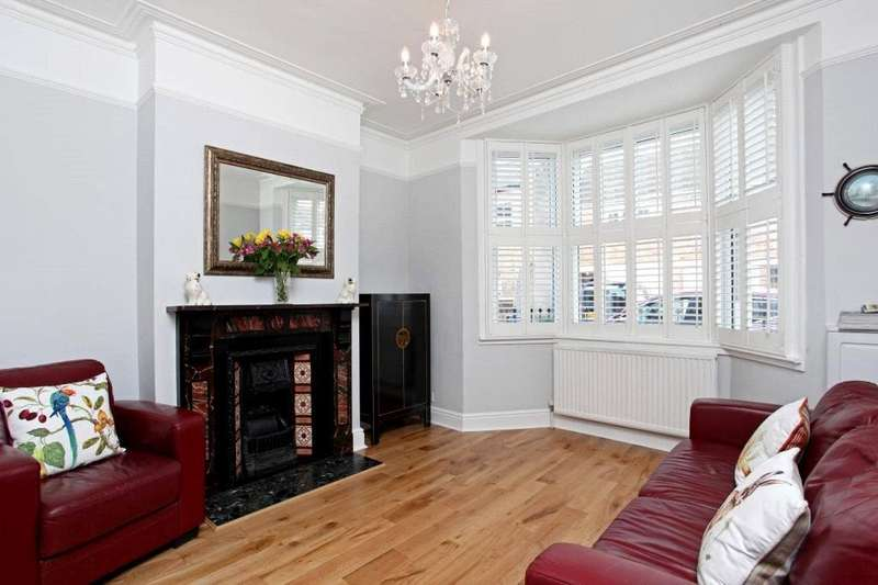 3 Bedrooms Terraced House for sale in St. Marks Place, Windsor, Berkshire, SL4