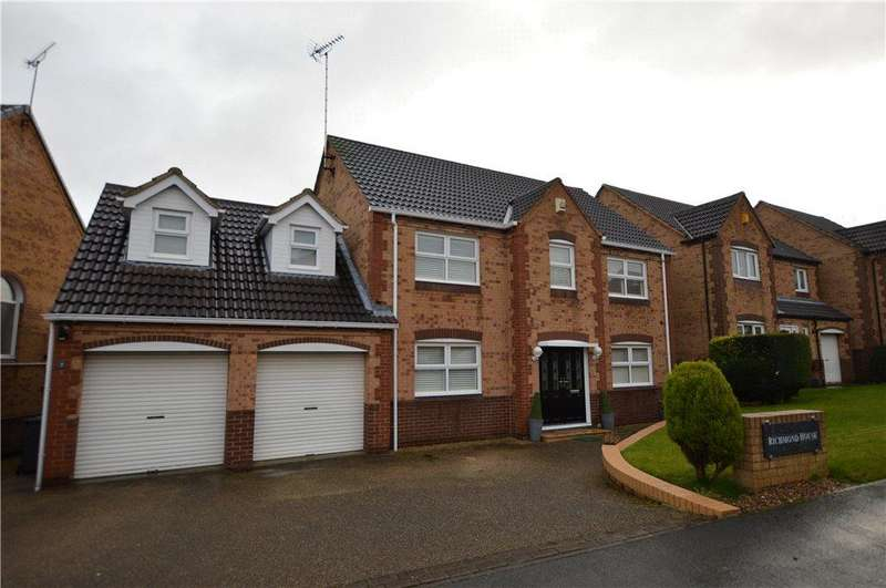 5 Bedrooms Detached House for sale in Oulton Drive, Oulton, Leeds, West Yorkshire