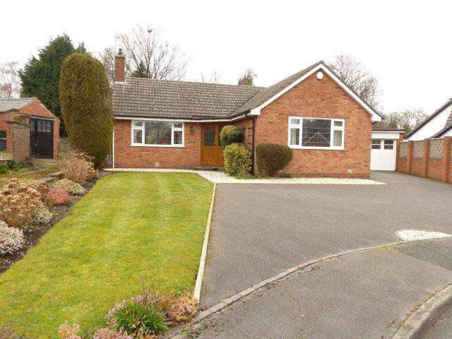 2 Bedrooms Detached Bungalow for sale in Little Gorway,Walsall,West Midlands