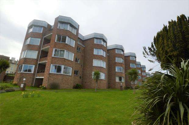 2 Bedrooms Flat for sale in Meadwood, St Marks Road, Torquay, Devon