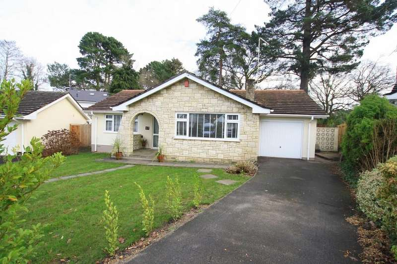 3 Bedrooms Detached Bungalow for sale in Woodside Close, Ferndown