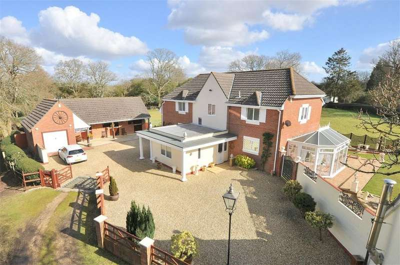 4 Bedrooms Detached House for sale in Markway Lodge, Bisterne Close, Burley, New Forest