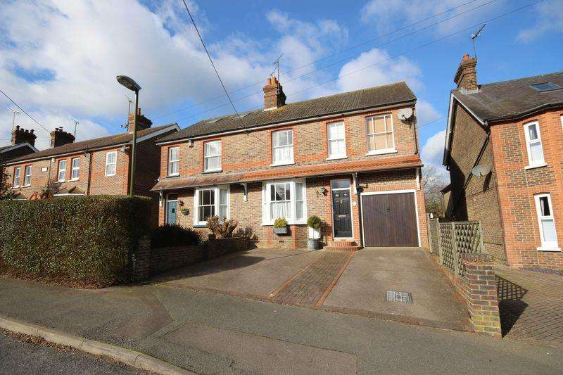 4 Bedrooms Semi Detached House for sale in Western Road, Haywards Heath