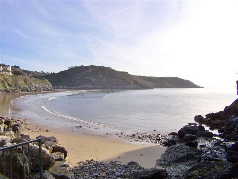 2 Bedrooms Flat for sale in Redcliffe Apartments, Caswell
