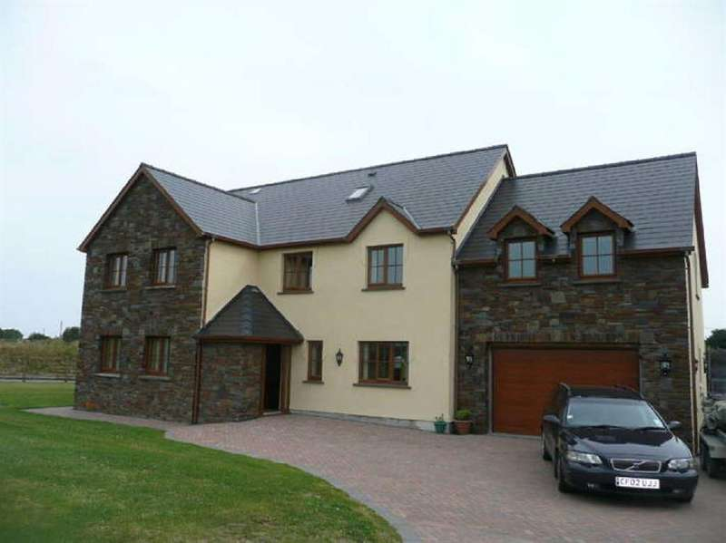 6 Bedrooms House for sale in Clos Y Gwyddil, Nr Cardigan, Ceredigion