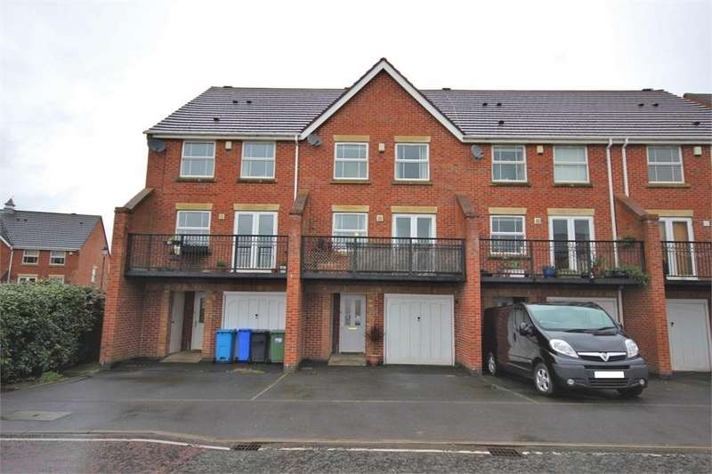 4 Bedrooms Town House for sale in Lanark Gardens, WIDNES, Cheshire
