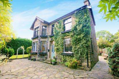 5 Bedrooms Detached House for sale in Yeardsley Lane, Furness Vale, High Peak, Derbyshire