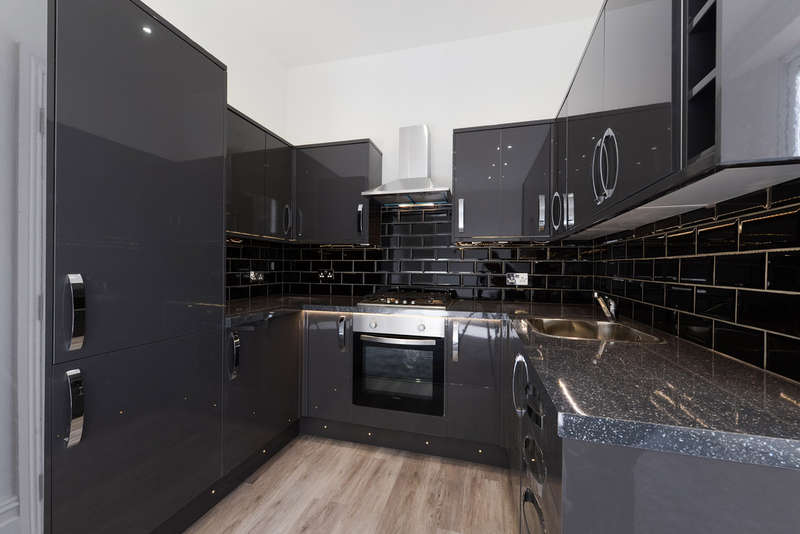 2 Bedrooms Flat for sale in Cambridge Road, London SE20