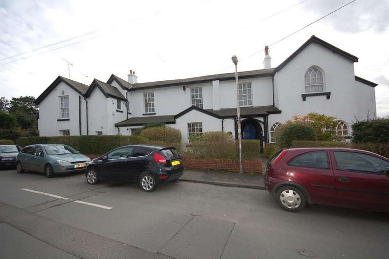 2 Bedrooms Flat for sale in Filkins Lane, Boughton, Chester,