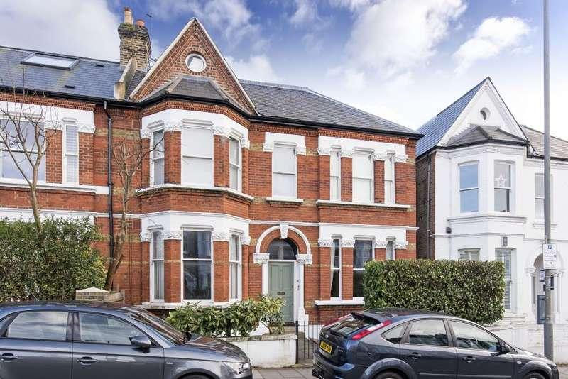 3 Bedrooms Maisonette Flat for sale in Broomwood Road, London, SW11 6JT