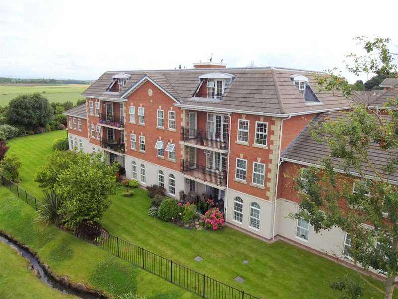 3 Bedrooms Penthouse Flat for sale in The Lodge, Dunlin Drive, Lytham St Annes