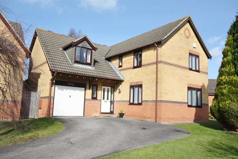 4 Bedrooms Detached House for sale in Ascot Road, Horton Heath, Eastleigh