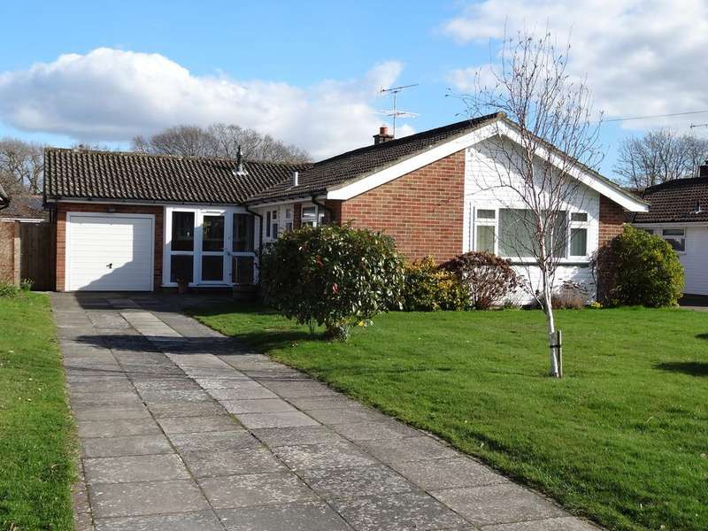 3 Bedrooms Detached Bungalow for sale in Worcester Road, East Broyle, Chichester PO19