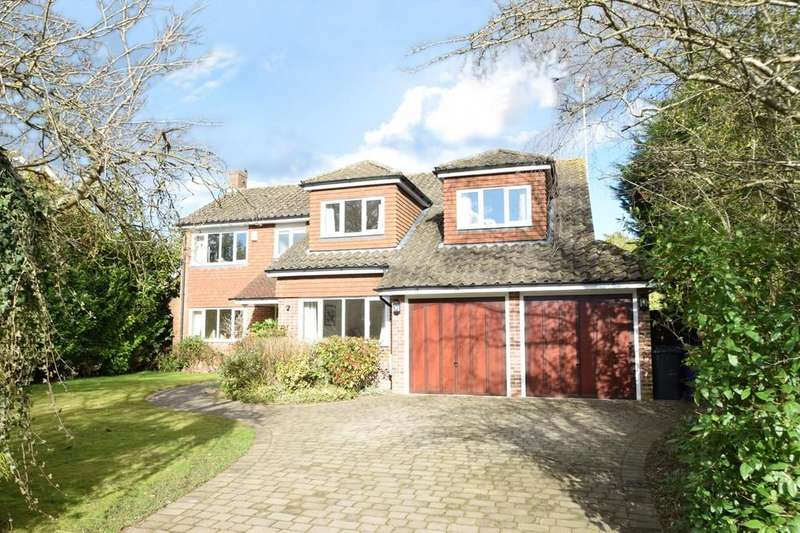 5 Bedrooms Detached House for sale in Woodland Avenue, Cranleigh GU6 7HU