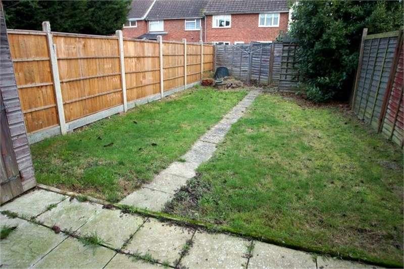 2 Bedrooms Terraced House for sale in Salvia Close, CLACTON-ON-SEA, Essex