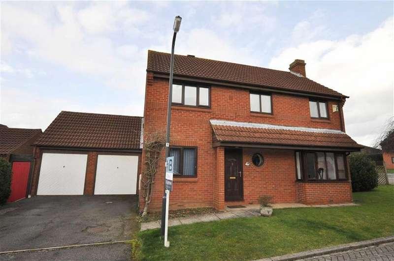 4 Bedrooms Detached House for sale in Thorn Stile Close, Cubbington, Leamington Spa
