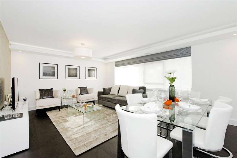 3 Bedrooms Flat for sale in Clifton Place, London