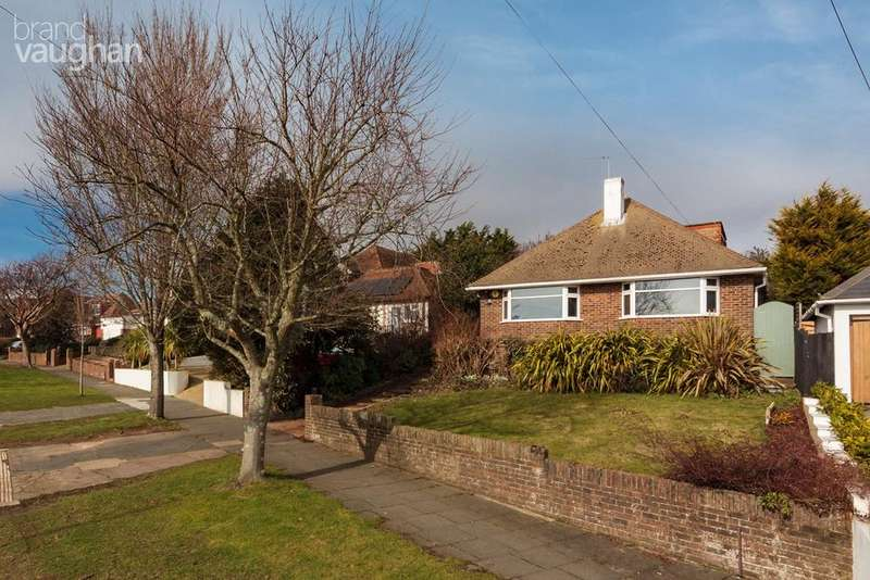 4 Bedrooms Detached House for sale in Shirley Drive, Hove, BN3