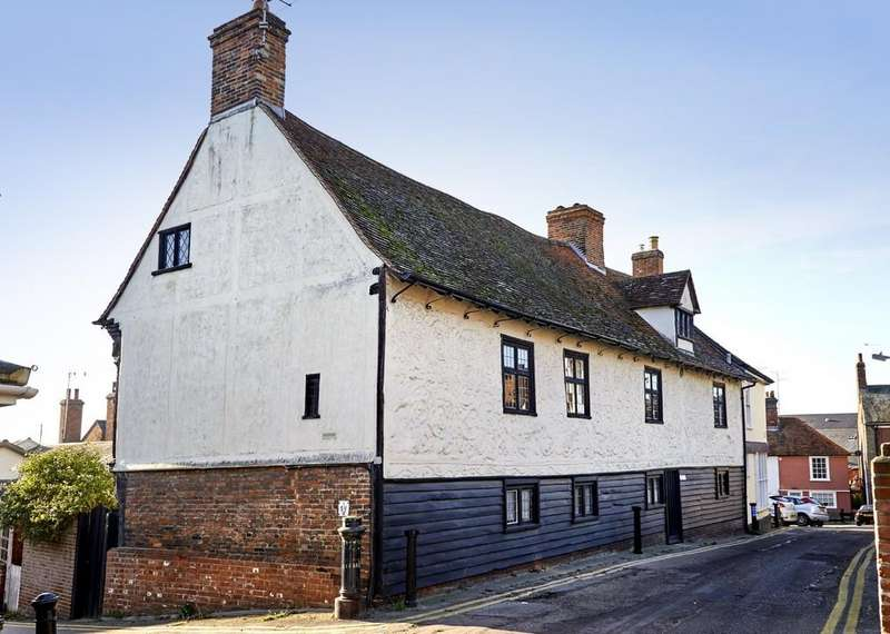 5 Bedrooms Detached House for sale in Old Wivenhoe