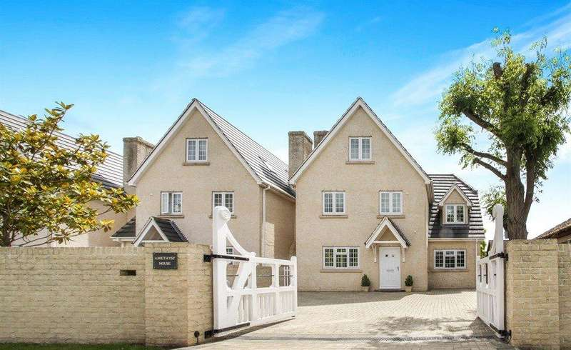 6 Bedrooms Detached House for sale in Turnpike Road, Red Lodge, Bury St. Edmunds, Suffolk, IP28